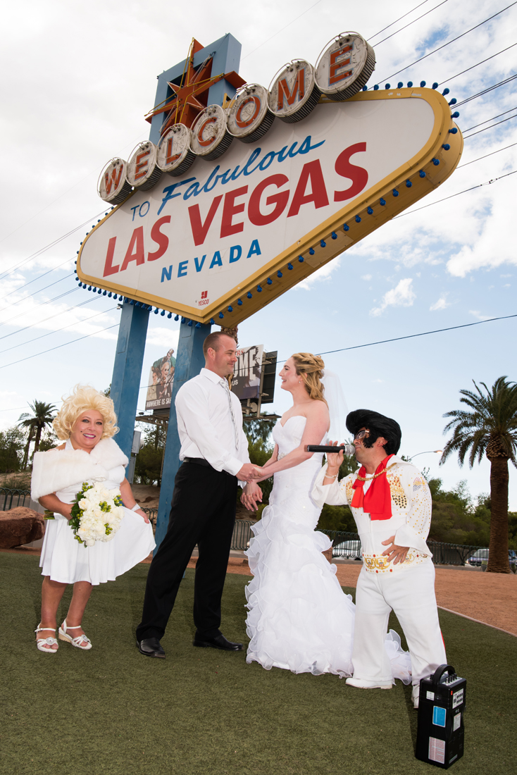 Dimos Las Vegas Sign Wedding 1