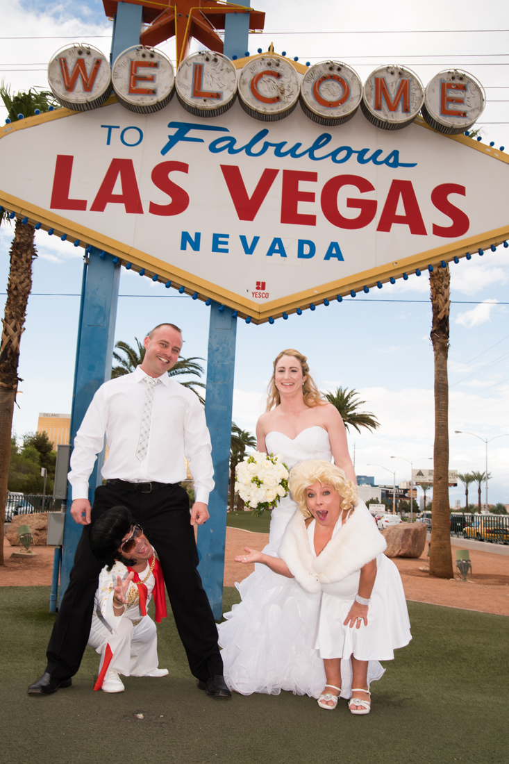 Dimos Las Vegas Sign Wedding 3