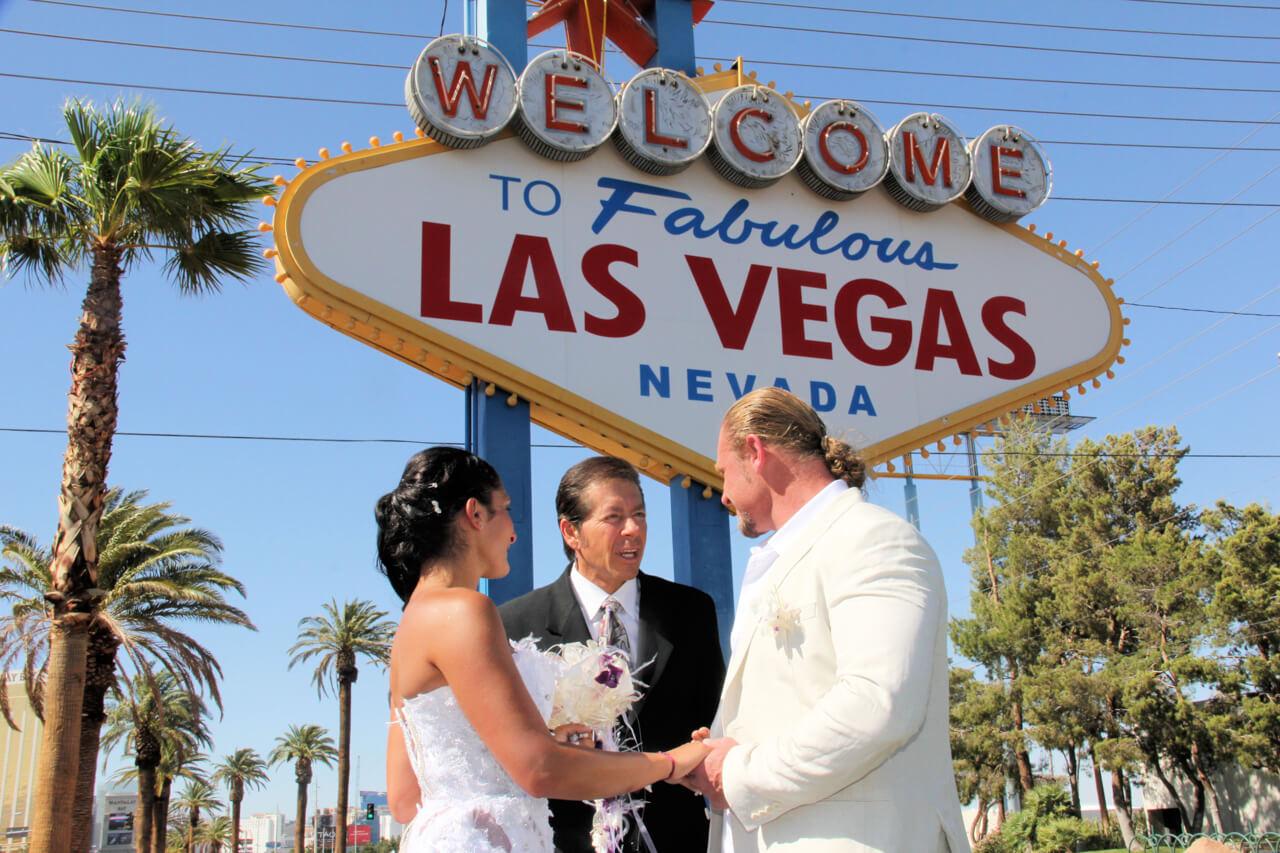 Vegas Romance Wedding Click To